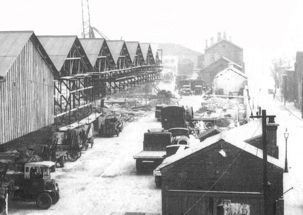 Hockley Station: Close up showing the steel frame being erected and ...