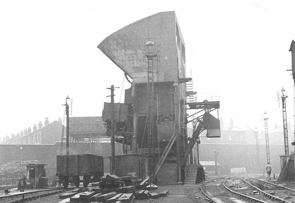Aston shed view of aston shed 39 s relatively unusual for Mitchell s fish market birmingham