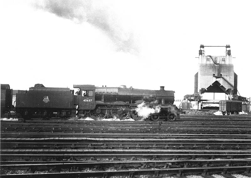 Ex-LMS 4-6-0 Jubilee class No 45637 'Windward Islands'