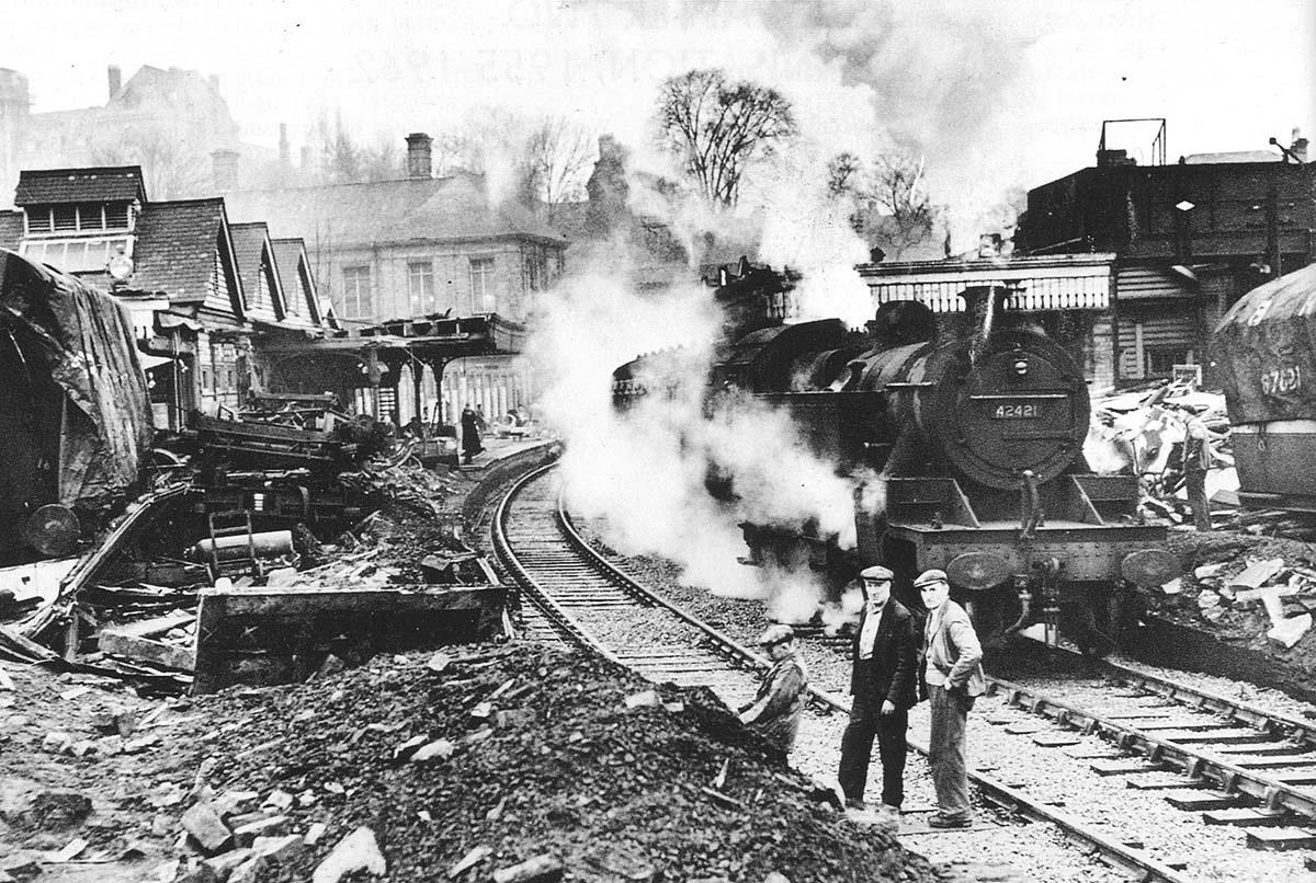 Sutton Coldfield Station Ex Lms 2 6 4t No 42421 Travels