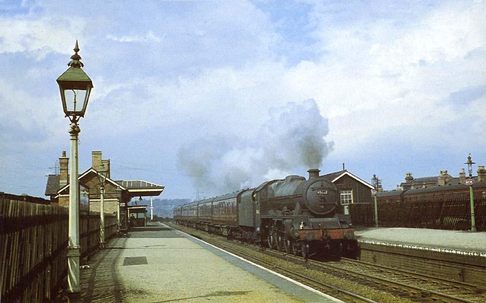 Selly Oak Station: Ex-LMS 4-6-0 Jubilee Class No 45662 'Kempenfelt
